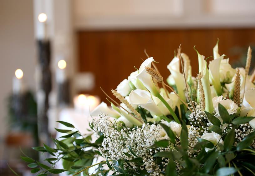 Jak Prawidlowo Dobrac Kwiaty Na Pogrzeb Blog 123kwiaty Pl